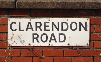 clarendon-rd-streetsign